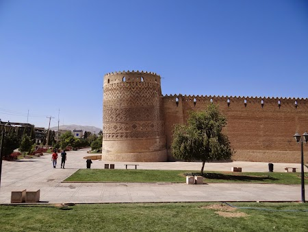 22. Cetatea din Shiraz.JPG