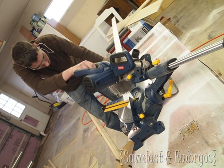 Crown Molding Tutorial using Ryobi Miter Saw {Sawdust and Embryos}