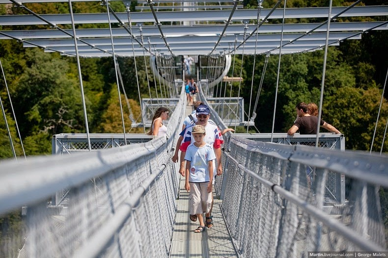 sochi-suspension-bridge-9