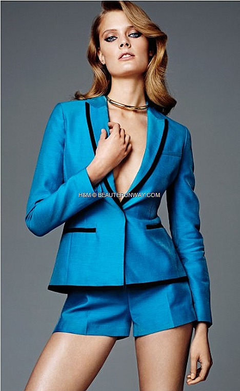 H&M CONSCIOUS COLLECTION EXCLUSIVE GLAMOUR  SPRING 2012 AMANDA SEYFRIED blue tuxedo blazer  shorts red carpet fashion