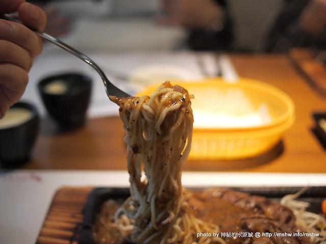【食記】台中赤鬼牛排-崇德店@北屯 : 嘖嘖...這麼X難怪年終有90個月 北屯區 區域 台中市 排餐 豬排 鐵板料理 飲食/食記/吃吃喝喝