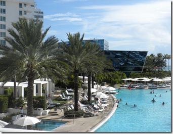 FountaineBlue Pool