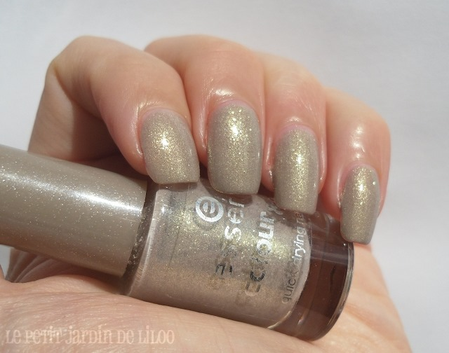 01-essence-irreplaceable-nail-polish-swatch-review