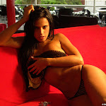 Andrea Rincon, Selena Spice Galeria 52 : Sofa Rojo Pasion, Lenceria Con Encaje – AndreaRincon.com Foto 15