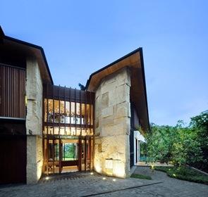 Arquitectura-fachada-de-piedra
