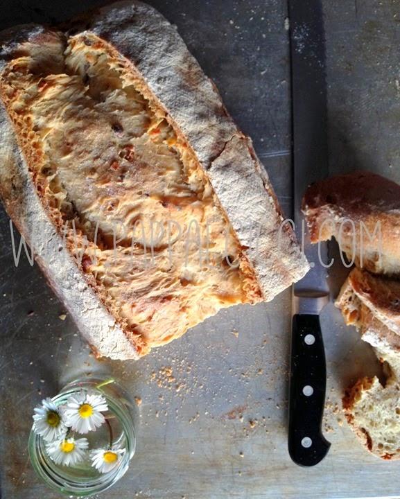 pane del rinfresco con margherite