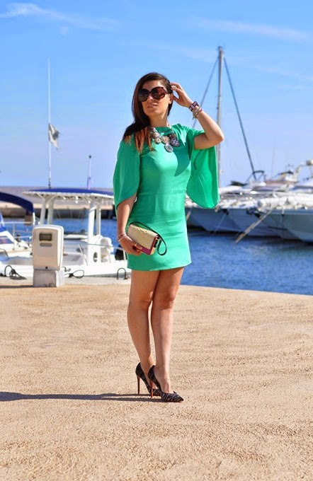 emerald-color-outfit-fashion-blogger-milly-baldinini-travel