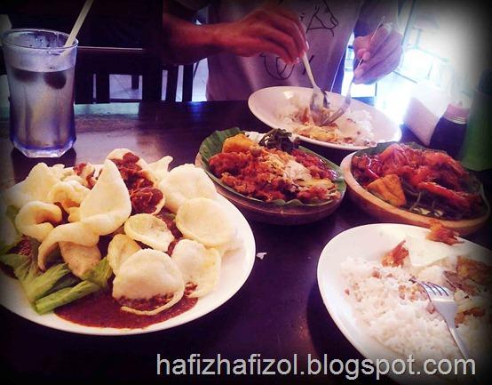 ayam penyet ria_cyberjaya