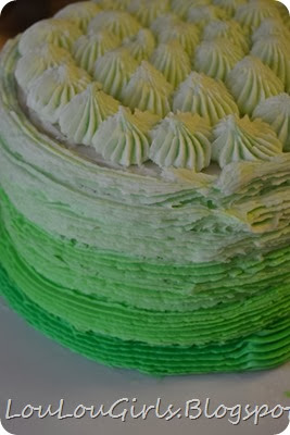 How-to-frost-an-ombre-cake (13)