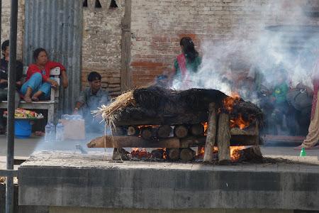 incinerare hindusa