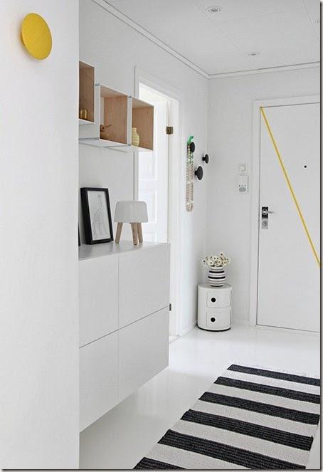 entrecc81-hall-opbevaring-indretning-bolig-colorama-boligdroemme-malene-marie-moeller-hvid