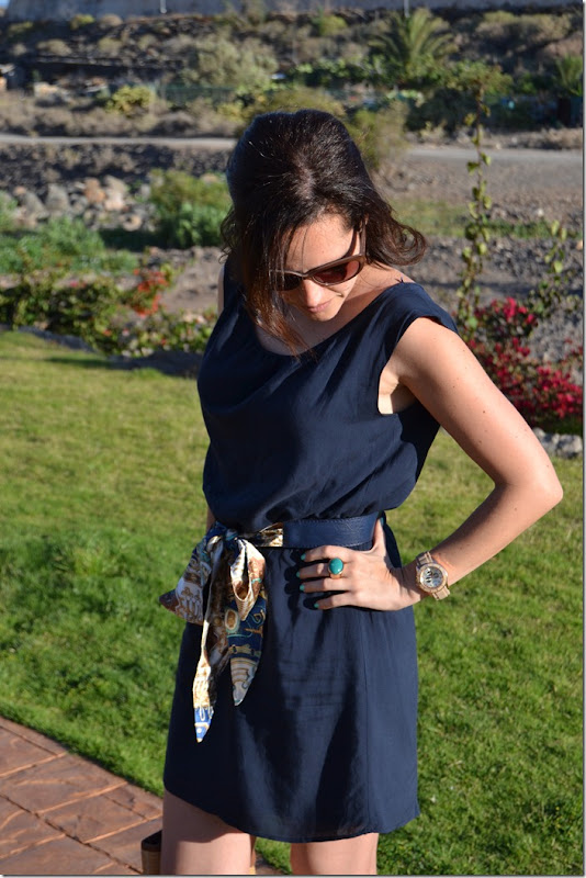 navy_dress_and_scarf_belt_3