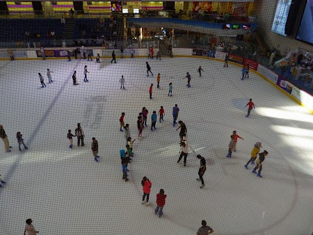 02. Patinoar - Dubai Mall.JPG
