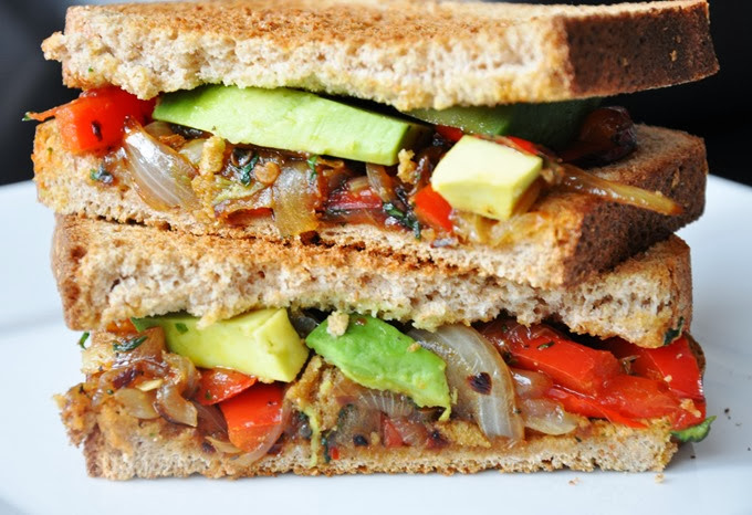 avocado   caramelized red pepper & onion sandwich 093