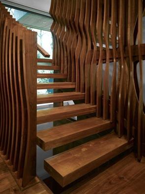 diseño-de-escaleras-interiores-en-madera