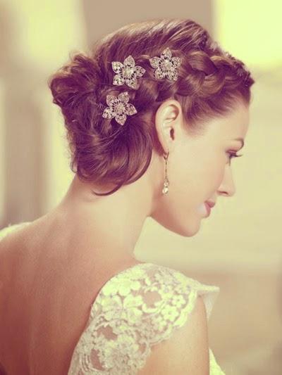 Short-Wedding-Hairstyles-for-Women-20