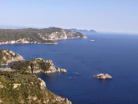 23. Coasta de Vest a insulei Corfu.JPG
