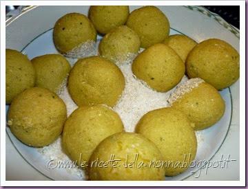 Polpette di zucca vegetariane al sugo di pomodoro e funghi (9)
