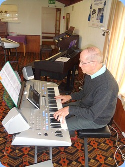 John Beales trying out Barbara McNab's brand new Yamaha Tyros 4. Sounded great too!