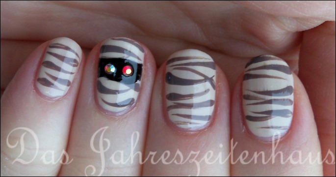 Halloween Nails Mumie 4
