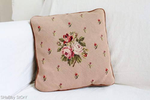 057needlepoint-pillow-web