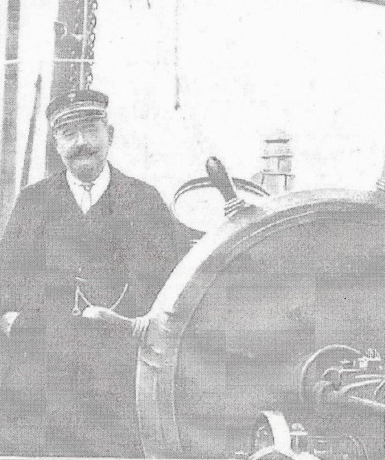 D. Miguel Cano, capitan del MARTOS. Foto de NUEVO MUNDO, REVISTA GRAFICA..jpg