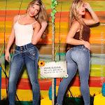 Angelica Jaramillo y Sofia Jaramillo Modelando D'Axxys Jeans Foto 30