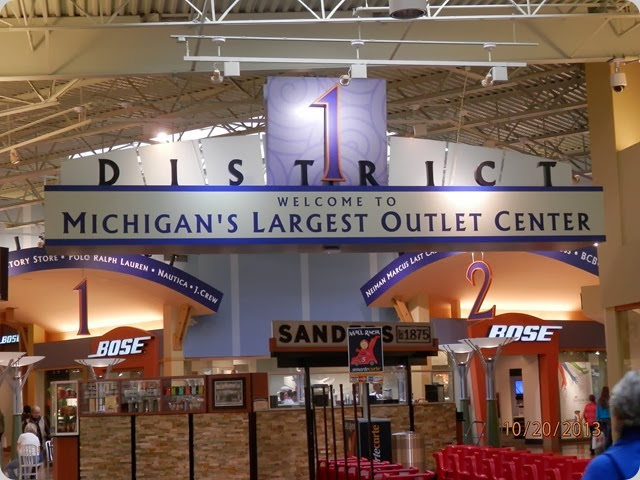 Great Lakes Crossings Mega Mall