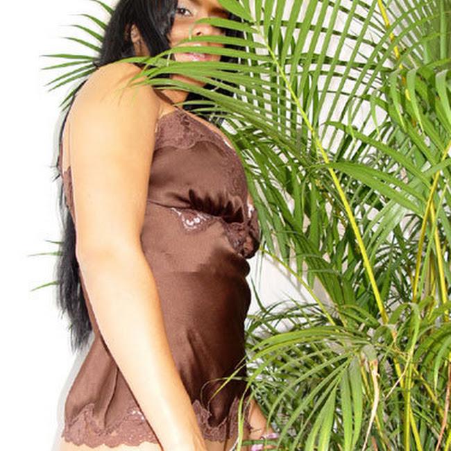 Andrea Rincon Striptease Prendas Foto 42