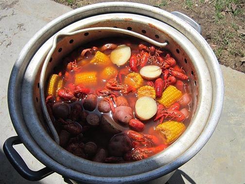 Eggrollings Crawfish Day