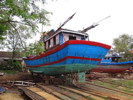 06. Barca pescari.JPG