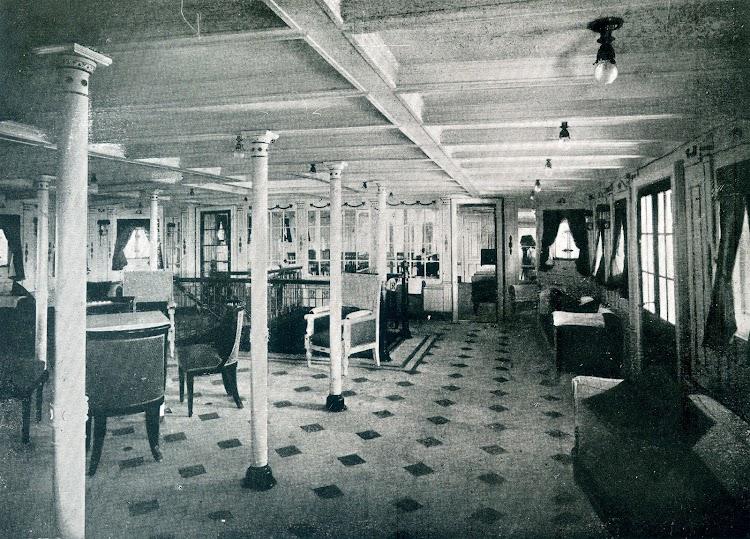 Reparacion de interiores en el LEON XIII. 1922. Hall de 1ª Clase. Mobiliario construido en la factoria. Del libro OBRAS. S.E. de C.N. AÑO 1922.jpg