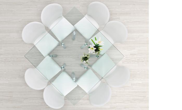 estructura cromada con parte superior de vidrio negro mate mesa coleccin atenas sorprende por sus ocho patas de acero cuadradas