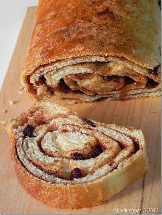 cinnamon-raisin-swirl-bread-4