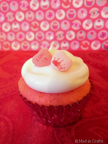 strawberry pop cupcake