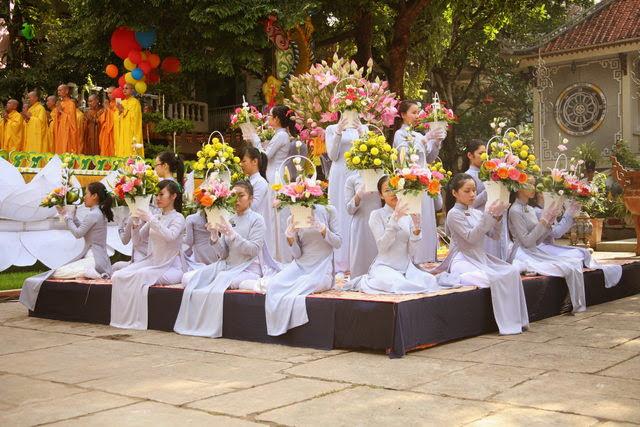 IMG 1847 Đại lễ Phật đản PL 2557 tại Tu viện Quảng Hương Già Lam
