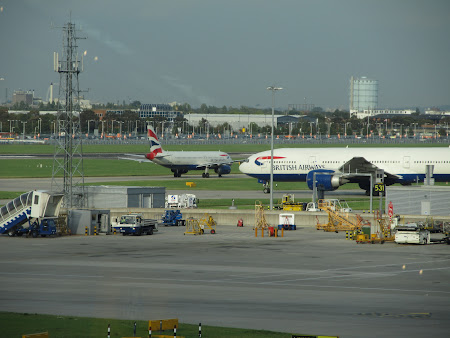 39,. pe pista Heathrow.JPG