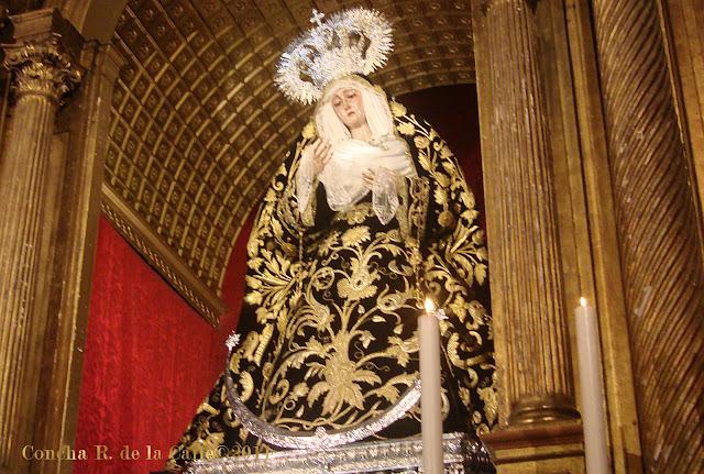 Virgen del Rosario de luto - Hdad. de Montesión - novbre 2011.jpg