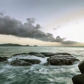 wave by Rob De Eduardo - Landscapes Waterscapes ( clouds, waterscape, rock, seascape, landscape )