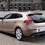 2013-Volvo-V40-New-45.jpg