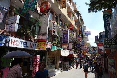 Zona comerciala Thamel Kathmandu Nepal