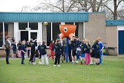 Schoolkorfbaltoernooi ochtend 17-4-2013 047.JPG