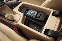New BMW 3 Series: Large storage compartment in centre console (10/2011)
