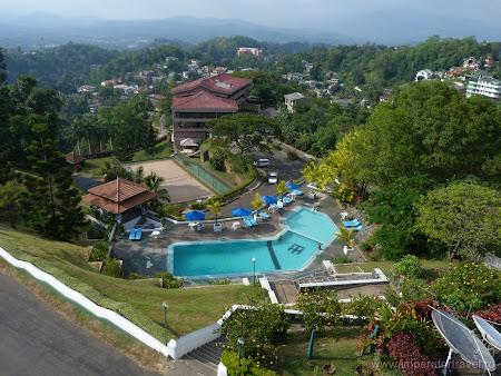 8. piscina hotel Topaz.JPG