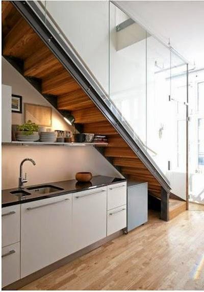 Ideas para aprovechar el hueco de la escalera for Barra bajo escalera