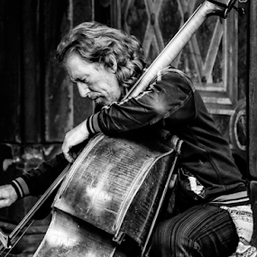Cello Player by Gina Gomez - People Musicians & Entertainers ( pictures of cities, urban exploration, urban picture, street, street scene, nyc, new york street photo, people, skateboarding, urban jungle, nyc people, city pictures, public places, city images, pictures of people, city photos, new york street, urban photo, urban photos, photos of new york city street, city streets, new york city streets, manhattan, city people, street photography, nyc street, city landscape, urban scene, urban, big apple, skateboarder, new york city,  )