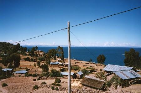 16. Insula Amantani pe Titicaca.jpg