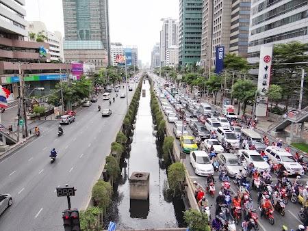 14. trafic Bangkok.JPG
