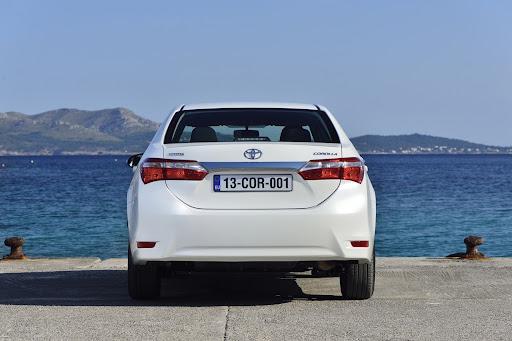 2014-Toyota-Corolla-43.jpg