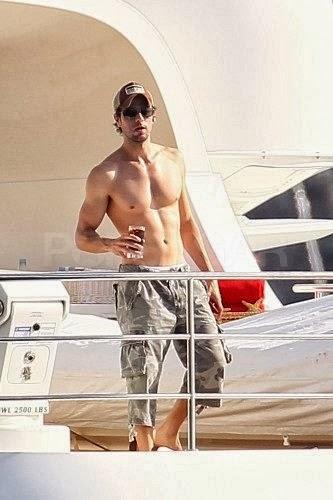 Enrique Iglesias: Hot shirtless and live (photos) Tattoo